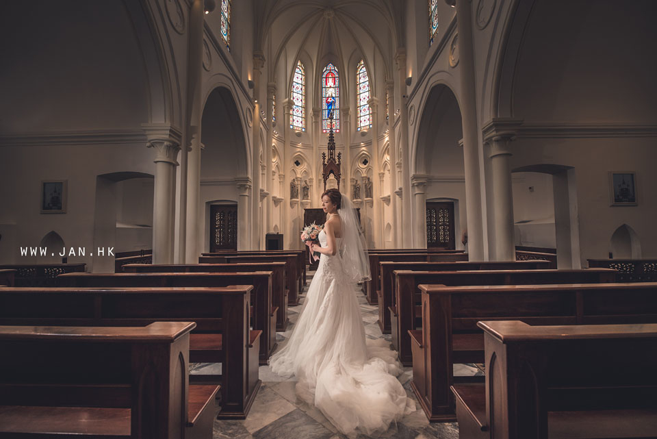 Inside the church wedding photography